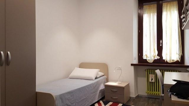 Ampia camera singola in appartamento con sole tre stanze