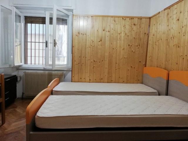 Spaziosa stanza doppia a uso singolo a due passi dalle prinipali facoltà del centro