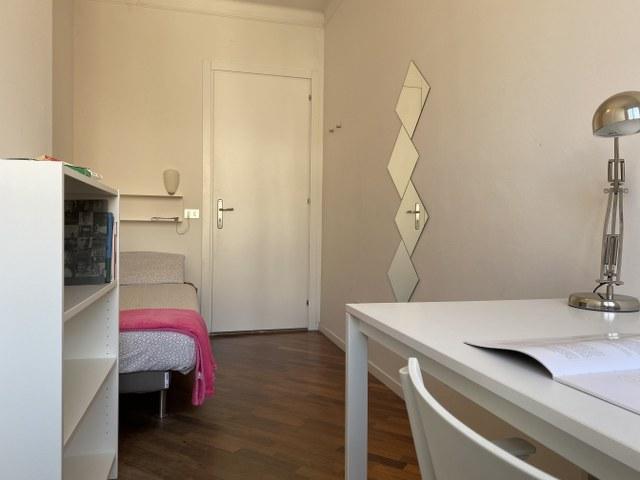 Accogliente stanza singola in centro storico a Trento
