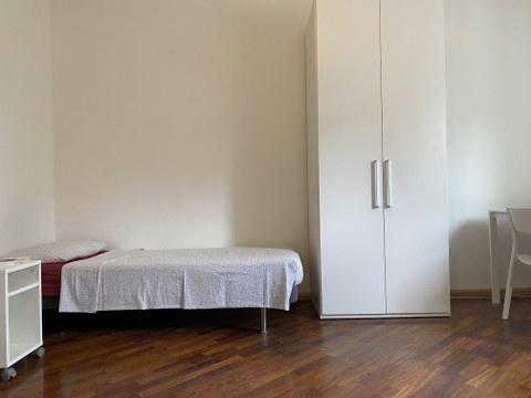 Posto letto in spaziosa stanza doppia in centro a Trento