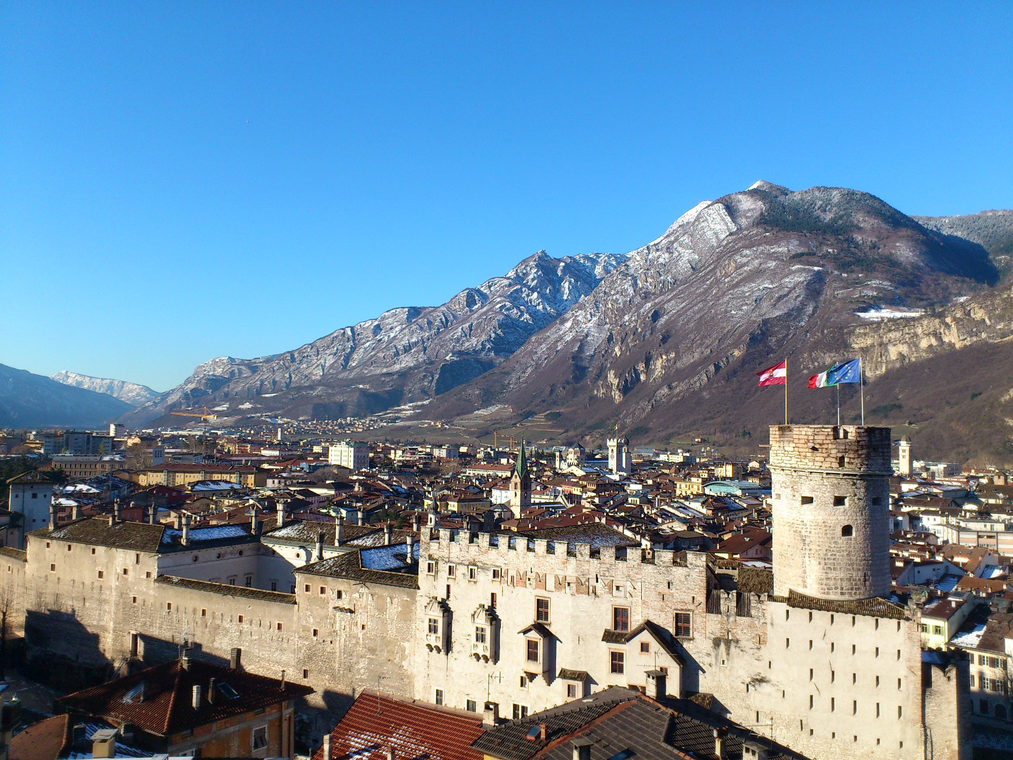 Sfarzoso immobile sito su due piani in Piazza Duomo a Trento